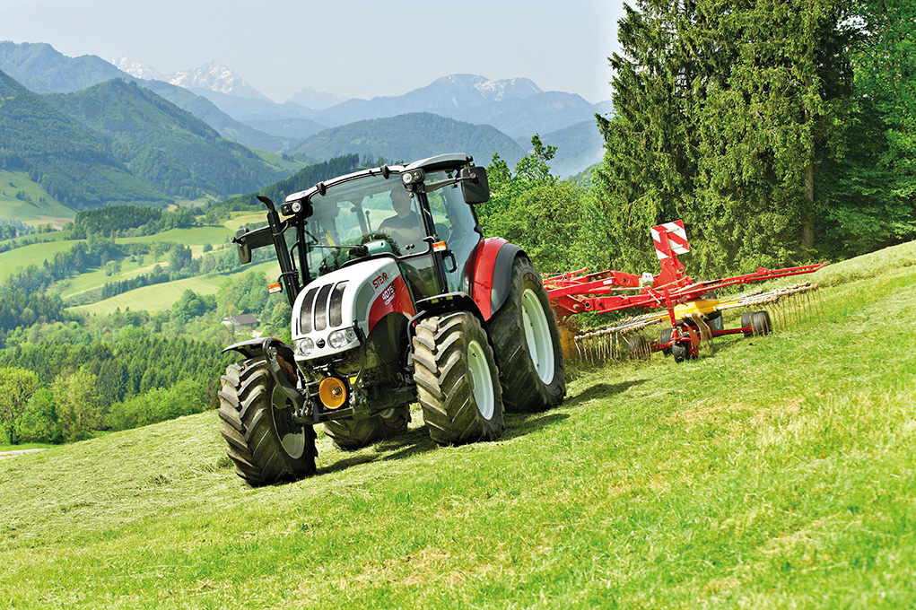 Bivalyerős traktor