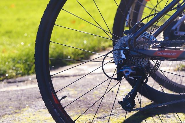 Kerékpárok és alkatrészek kitűnő áron